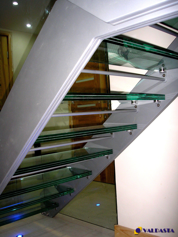 Stikliniai laiptai